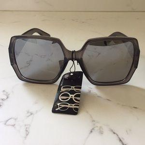 Grey women's oversized sunglasses